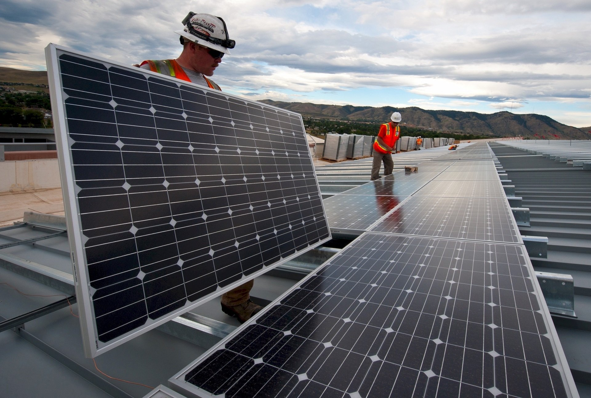 6 Huge Benefits of Solar Installs in Your Home in the Year 2020